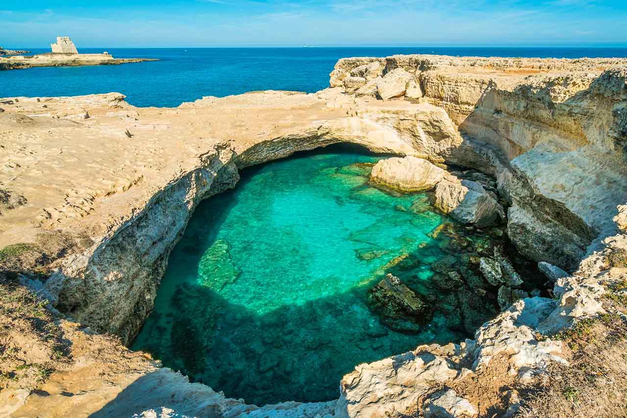 Grotta della Poesia, Roca Vecchia